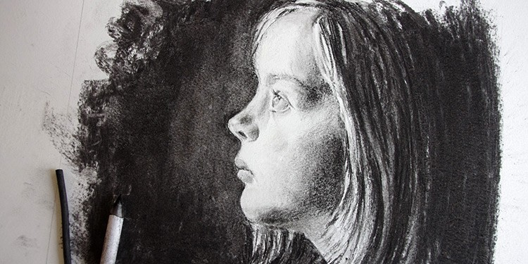 technique pour comprendre comment dessiner un visage au fusain facilement