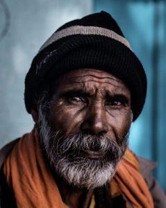 Apprendre à dessiner le visage d'un homme âgé avec ce cours en ligne